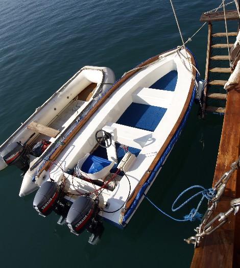Индонезия дайвинг сафари яхта S/M/Y Felicia зодиак и лодка