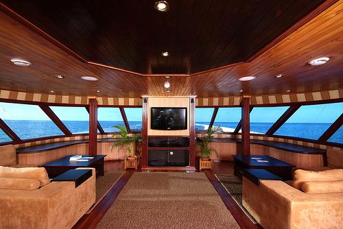 дайв сафари мальдивы яхта элит класса салон Ark Royal
