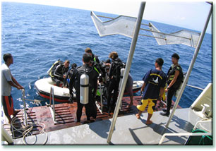 Таиланд дайвинг сафари яхта M/V M/V Black Manta dive deck