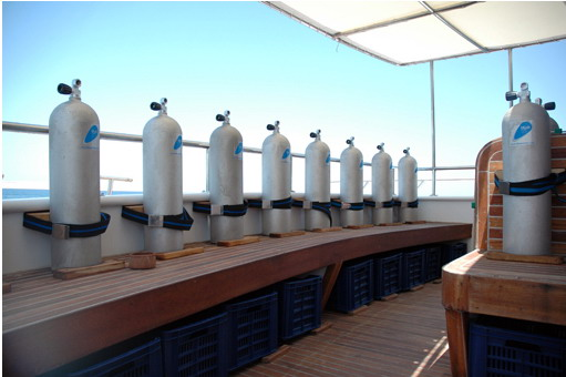 Египет дайвинг сафари яхта M/Y Blue Fin dive deck