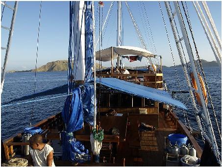 Индонезия дайвинг сафари яхта S/M/Y Felicia top deck