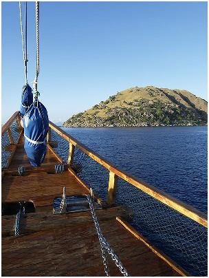 Индонезия дайвинг сафари яхта S/M/Y Felicia нос судна