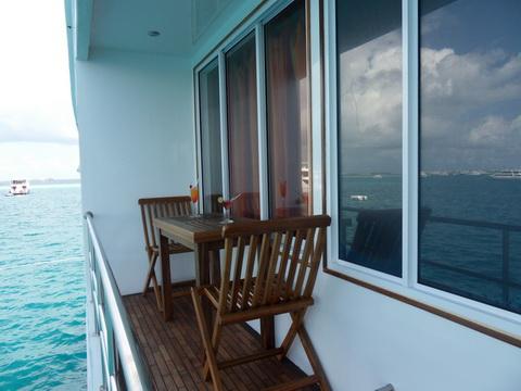 дайвинг сафари мальдивы яхта MV Mozaique балкончик