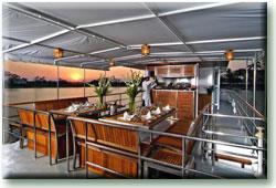 Таиланд дайвинг сафари яхта M/Y Nautica столовая