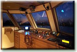 Таиланд дайвинг сафари яхта M/Y Nautica капитанский мостик