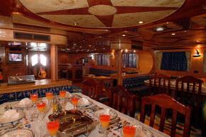 Египет дайвинг сафари яхта M/Y Obsession столовая