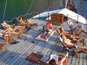 Индонезия дайвинг сафари яхта S/M/Y Ondina sun deck