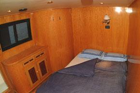 Египет дайвинг сафари яхта M/Y Sea Serpent каюта с двухспальной кроватью