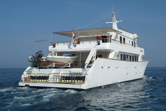 Красное море Судан дайвинг сафари яхта M/Y Sherazade dive deck