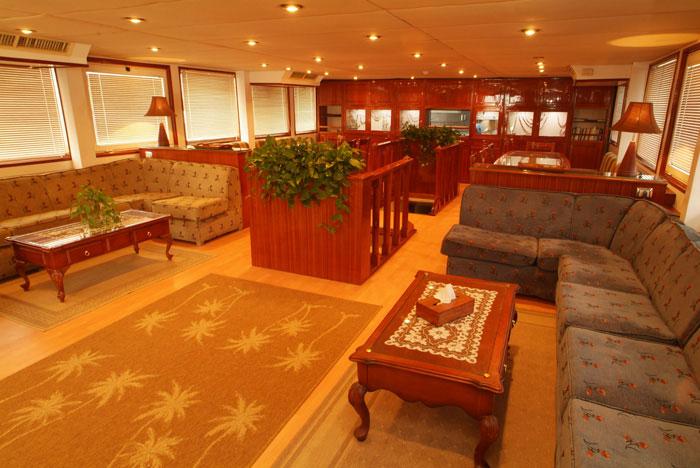Красное море Судан дайвинг сафари яхта M/Y Sherazade кают-компания