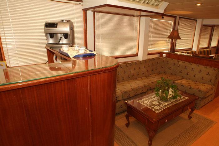 Красное море Судан дайвинг сафари яхта M/Y Sherazade бар кофе машина
