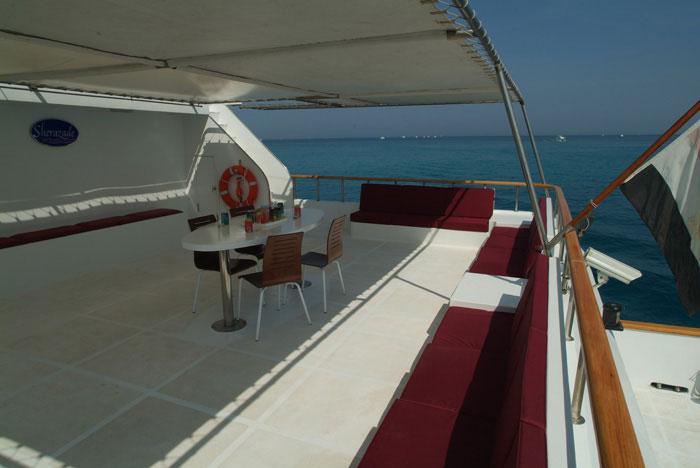 Красное море Судан дайвинг сафари яхта M/Y Sherazade upper deck