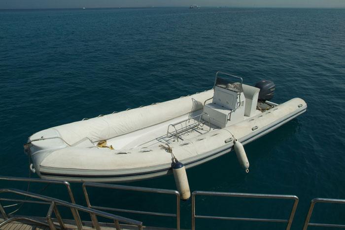 Красное море Судан дайвинг сафари яхта M/Y Sherazade зодиак