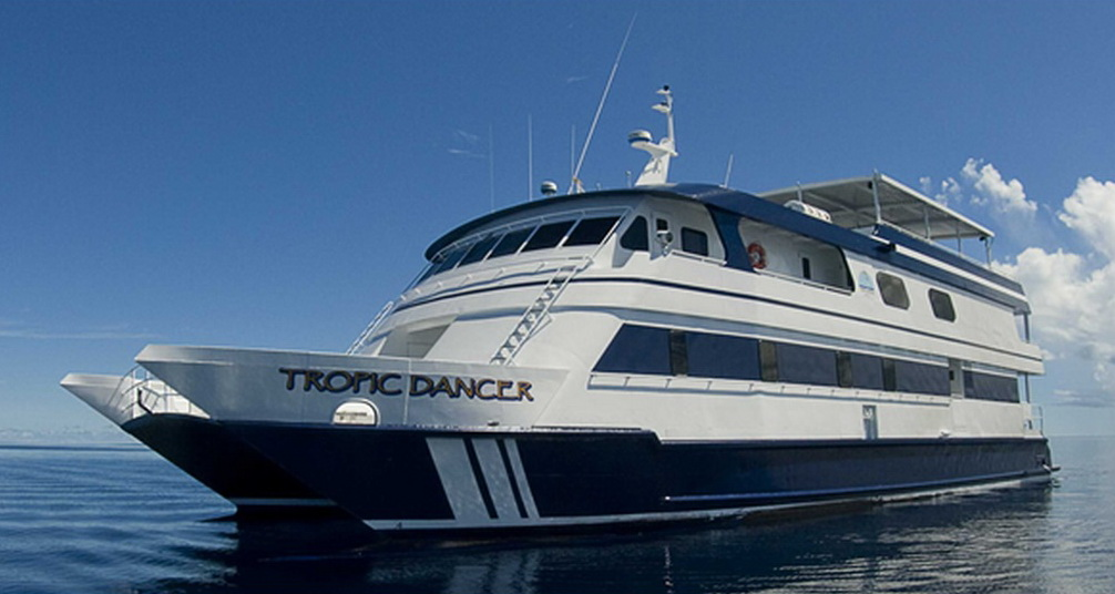tropic_dancer_catamaran_2.jpg